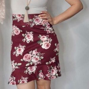 🛍 2/$22 🛍 Floral ruffle pencil skirt